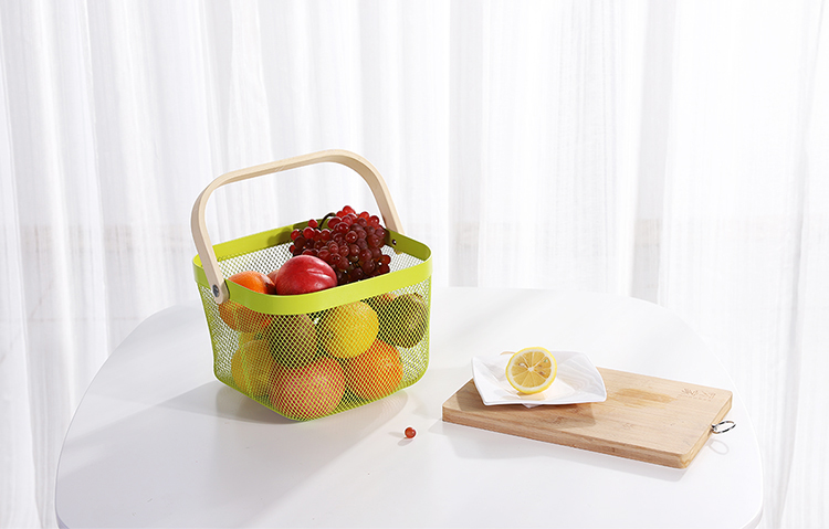 Metal Mesh Fruit Basket for Living room