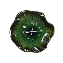 2017 New design Chinese style lotus leaf decorative resin wall clock