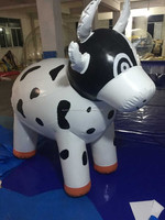 Popular advertising custom made inflatable moving cow