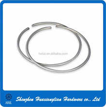 Round wire snap ring for shaft