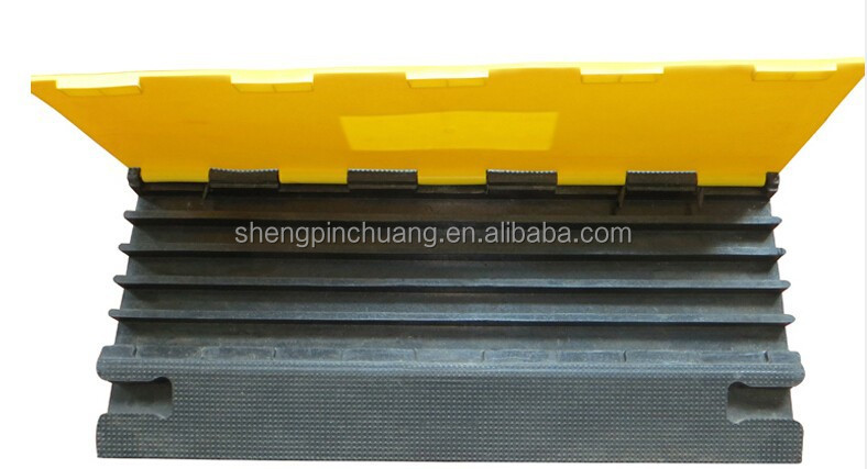 five Channel rubber cable speed hump