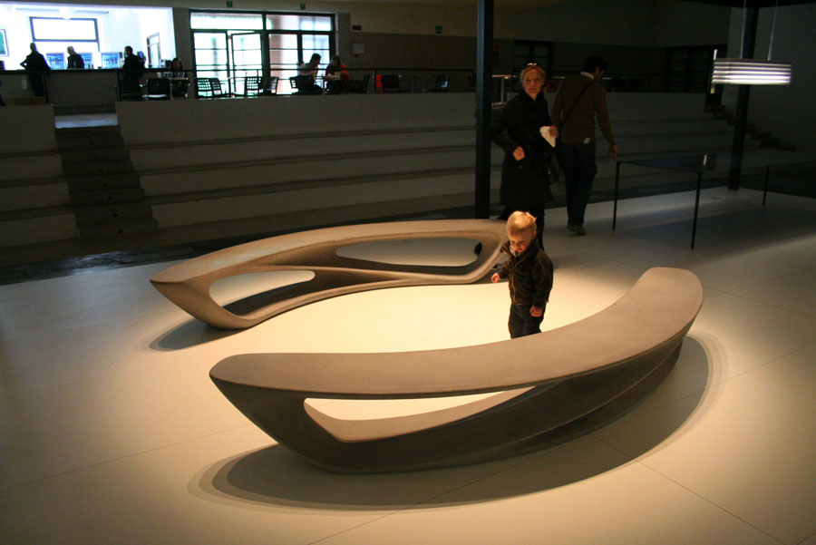 Amanda Levete Design Drift Long Bench made in china