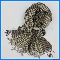 Yarn-dyed viscose woven checked scarf