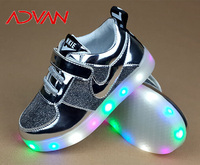 2016 MOQ30 Wholesale Minnie Mouse Light up Shoes Safety Light Clip for Kids