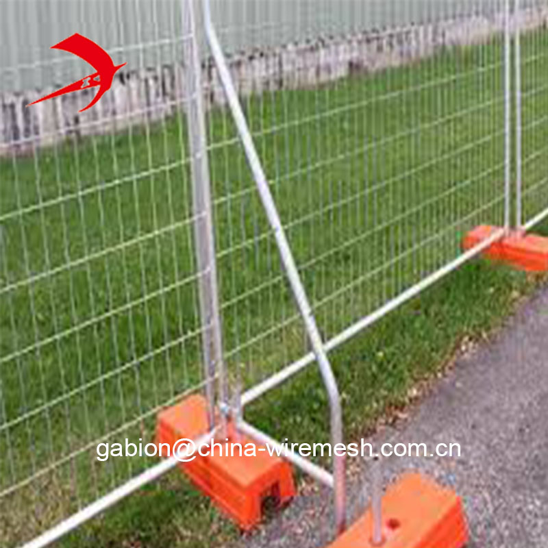 Temporary 1.8m x2.4m event fence with plastic stands feet exported to Australia