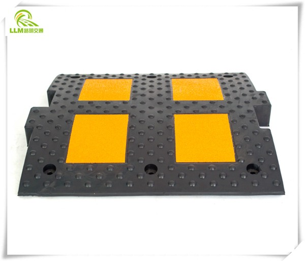 Traffic safe wave line rubber speed hump flexible speed bump 320*500*50mm