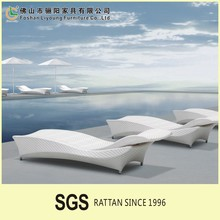 2015 High quality and low coast price for Comfortable Outdoor rattan wooden Daybed/Sun Bed made in china