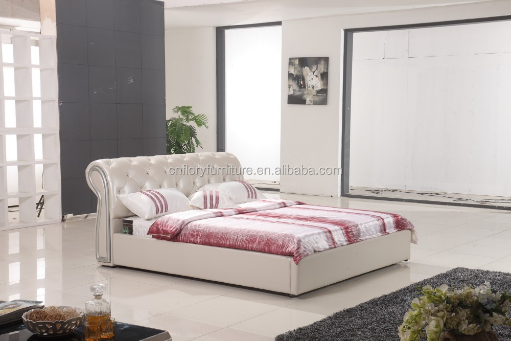 Lastest Design Modern Genuine Leather Bed with Crystal