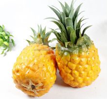 hot wholesale artificial fruit pineapple home decoration/decoration material fake pineapple for home hotel /weding decoration