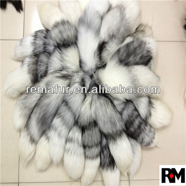 Factory Wholesale 100% Genuine Fox Tail Fur Keychain in Natural Color