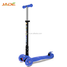 2018 new products adults toys Foldable 3 wheel foot kick scooter for kids