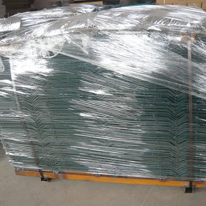 OEM low carbon steel 3x3 powder welded rabbit cage wire mesh