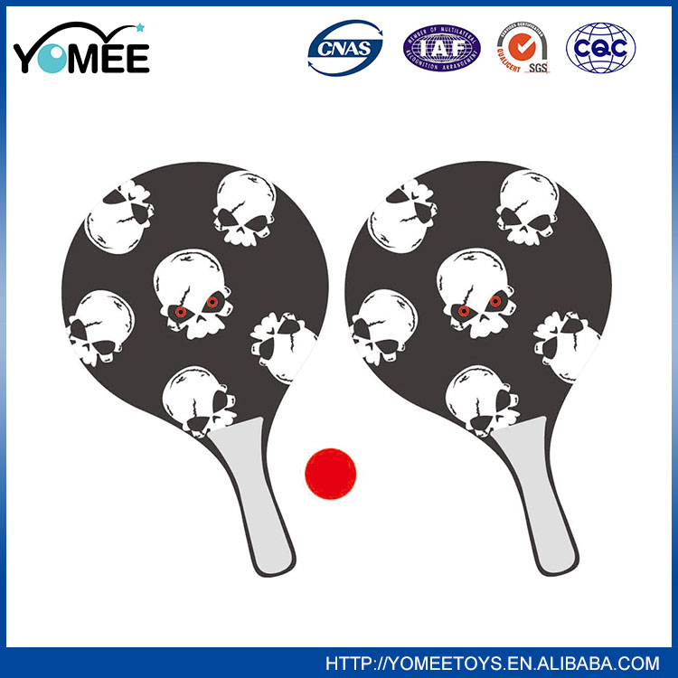 Hot selling wooden plastic beach rackets beach paddle catch bat beach game set