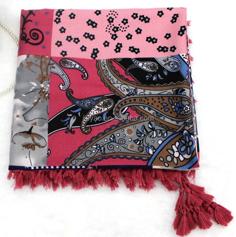 wholesale ladies Twill geometric printing square scarf shawl with fringe tassle