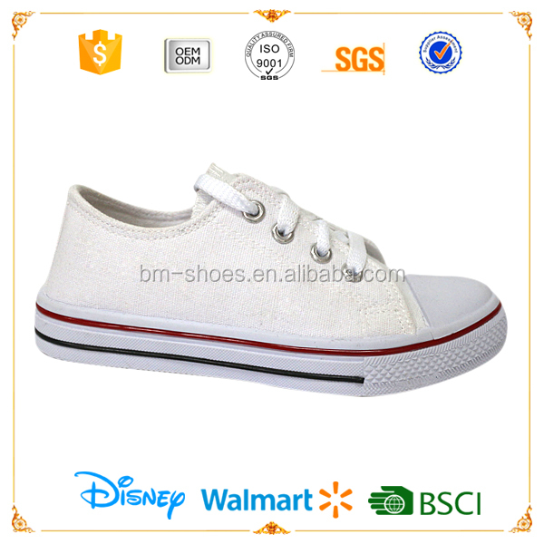 White and cheap men canvas PVC injected school shoes