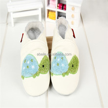 2014newborn babies fabric socks fancy handmade moccasin soft touch crib pattern bulk hard sole walking leopard baby shoes