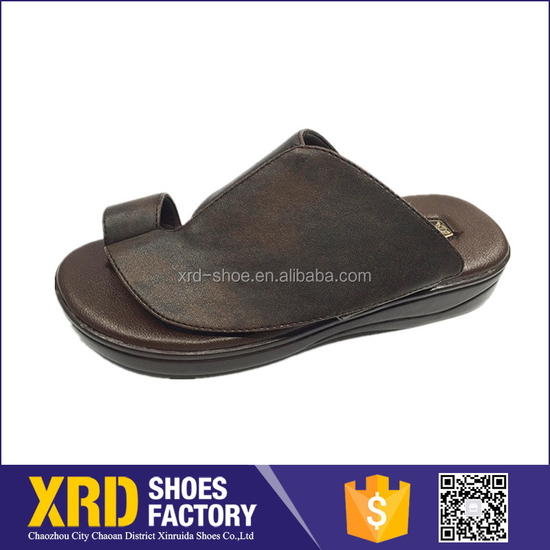 Custom Rubber Sole Men Leather Sandals Men Toe Clip Thick Sole Shoes