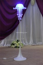 2016 spray lacquer acrylic wedding lighted columns wholesale/crystal beaded columns wedding decorations/events and party supply