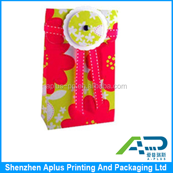 Fancy printed paper material festival gift bag with ribbon, Colorful christmas gifts packaging bag