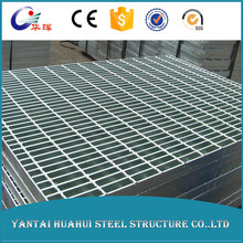 Stainless steel grating for building materials