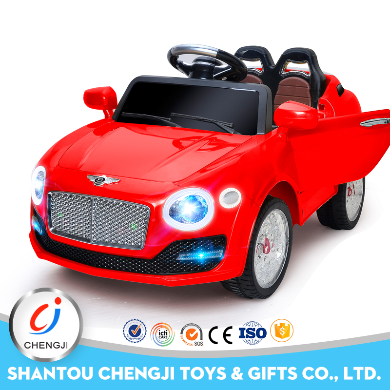 Low price 2017 newest 2.4G rechargeable kids electric battery cars