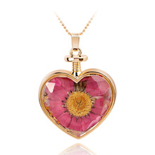 Fashion DIY Jewelry Gold Plated Beaded Chain Multi Color Natural Dried Flower Locket Glass Crystal Heart Pendant Necklaces