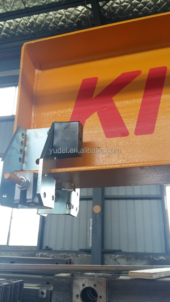 Movable end stop rubber buffer bumper for crane beam