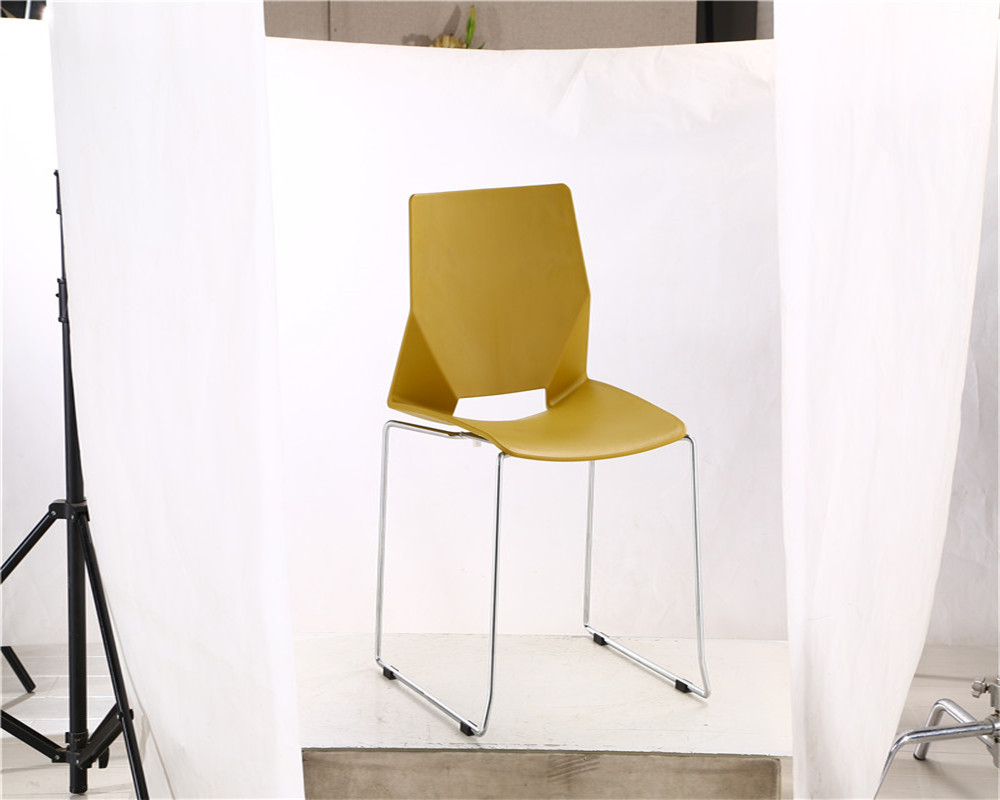 Chinese Supplier Popular Plastic Cheap Bar Stool