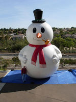lovely inflatable christmas snowman for christmas decoration with hat
