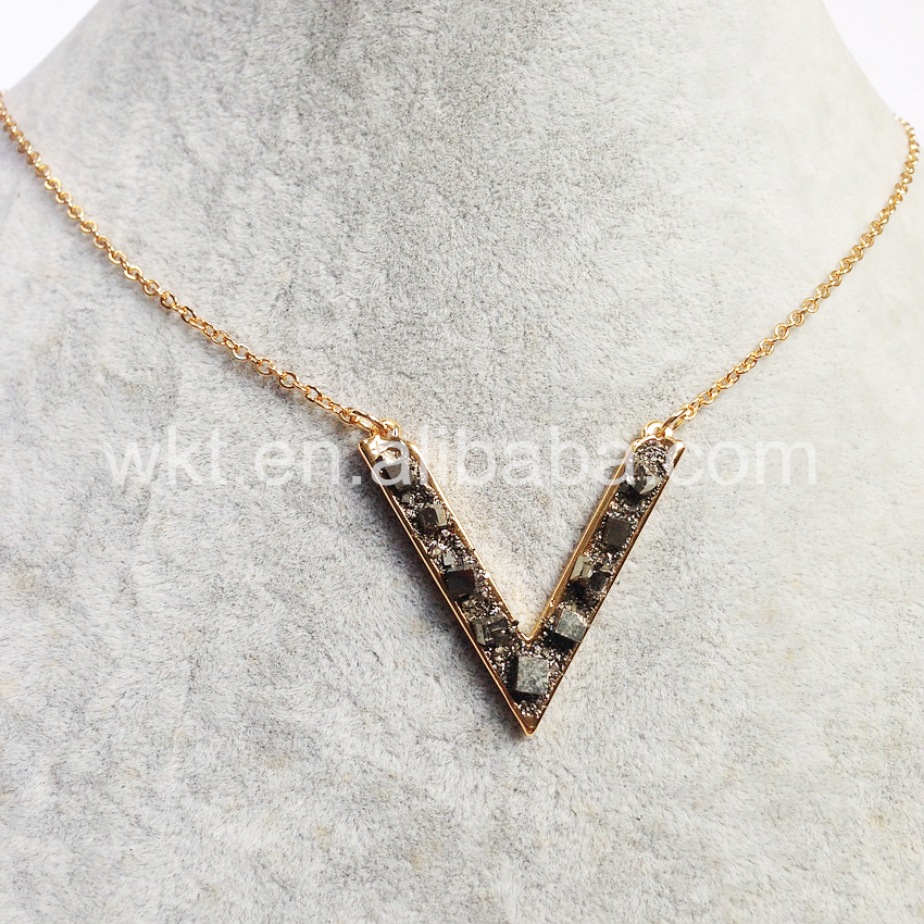 WT-N714 Exclusive Rough pyrite nuggets V pendant necklace 24k gold plated letter V pendant necklace