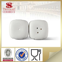 Hot sale hotel crockery table ware, salt and pepper shakers wholesale