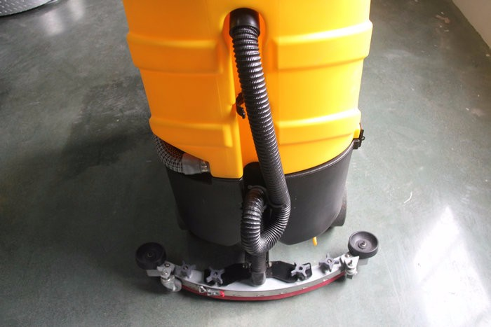 C6 Ride on industial floor cleaner