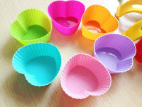 Made of 100% Food Grade Silicone BPA Free Kitchen cup cake molds