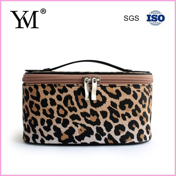 Wholesale new design beauty leopard cosmetic case