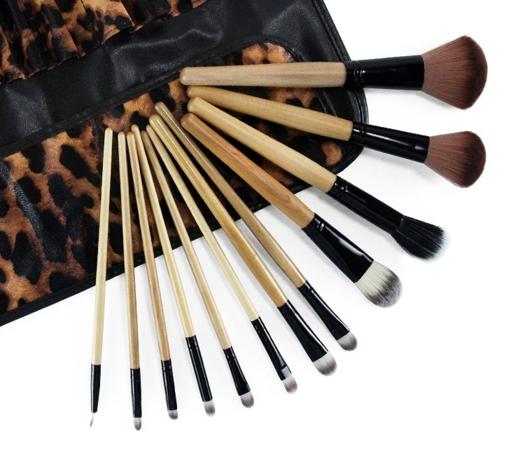 Wholesale 12pcs Hot Sale Brush Set Makeup Blusher Blush Brushes Professional Cosmetic Eyeshadow Brush With Leopard Makeup Bag