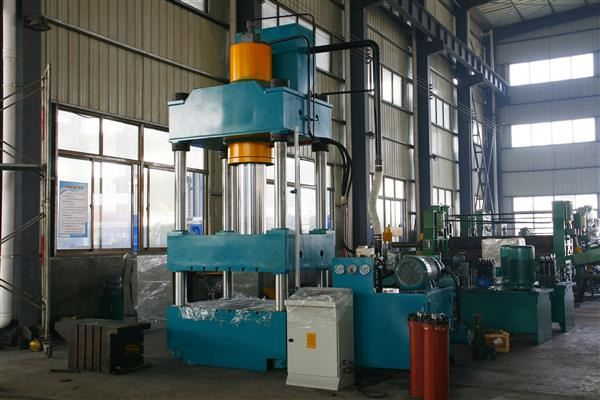 WEILI MACHINERY Factory Best Selling klt brand deep drawing hydraulic press 315 ton for double bowl sink mold