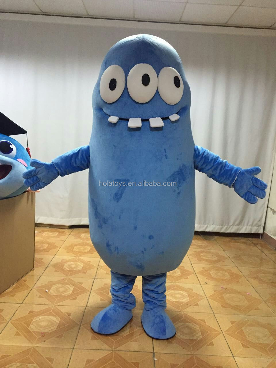 Custom mascottes/green cartoon mascot costume