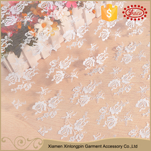 Delicate floral pattern guipure mesh elegant lace fabric