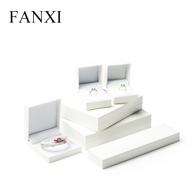 FANXI Custom White Plastic Jewelry Packaging Boxes For Wedding Ring Necklace Bracelet Watch Holder Leatherette Paper Gift Box