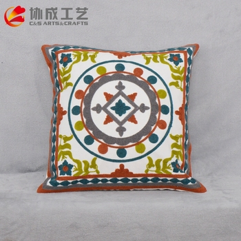 High Quality Hot Drilling Appliqued Cushion