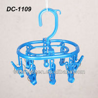 DC-1109 pp wholesale durable windproof plastic drying rack clip multifunctional clothes peg hanger for socks