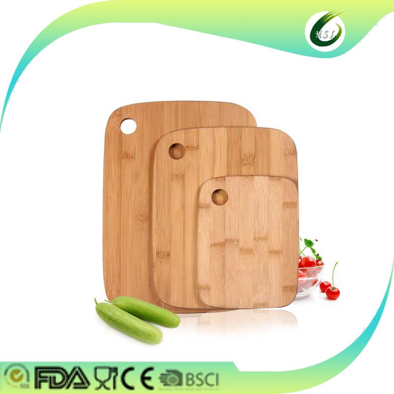 bamboo chopping cutting board with thumb hole and rounded edge