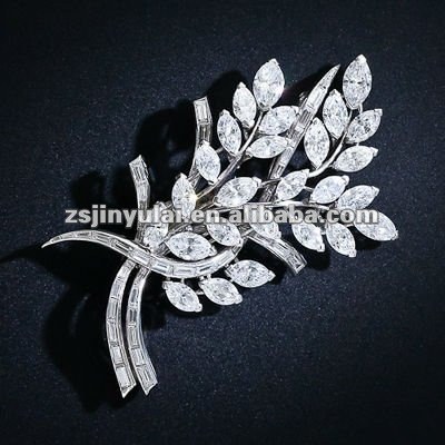 New Fashion Jewelry of Clear CZ Diamond Platinum Plated Foliate Brooch