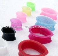 Teardrop design silicone tunnel