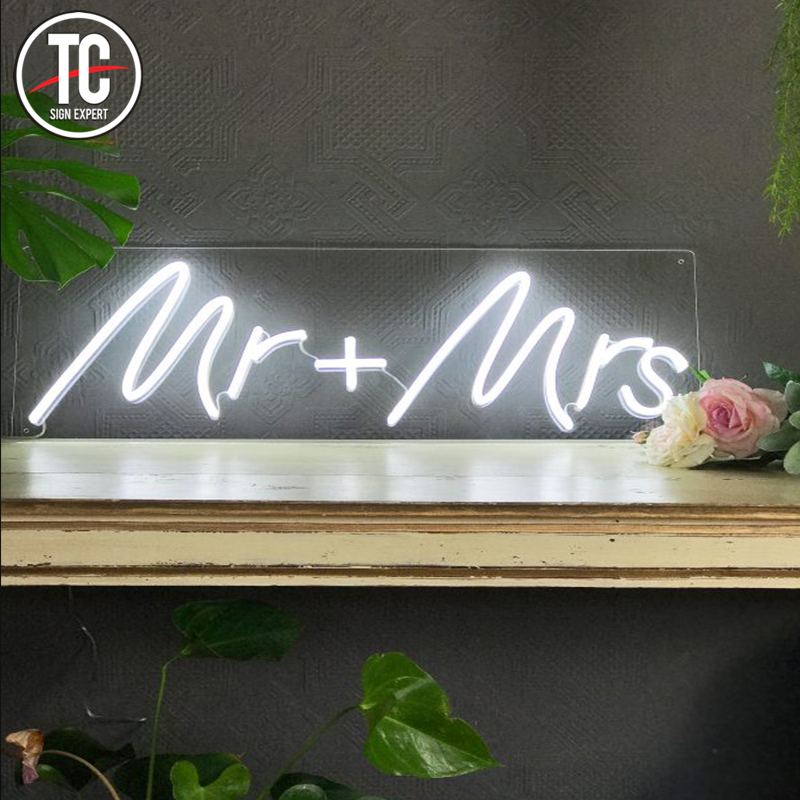 Crazy in love High quality mr and mrs wedding romantic led neon <strong>sign</strong>