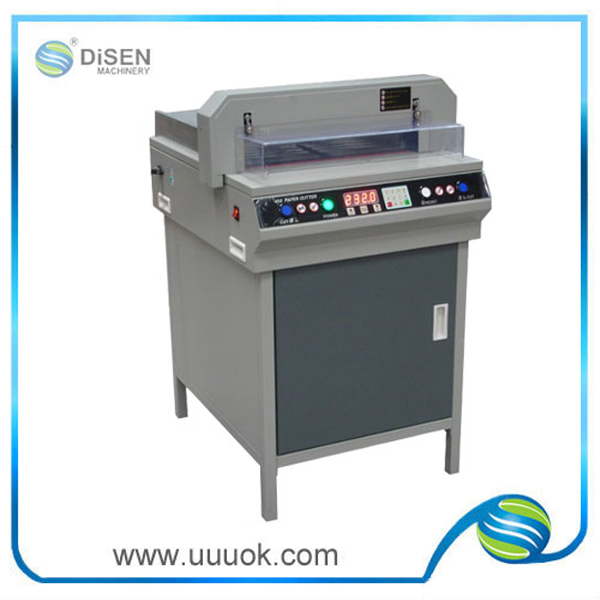High precision paper cutter for shape