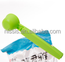 promotional coffee spoon and clip, BPA free plastic coffee bag clip, popular plastic bag seal clip with milk powder spoon