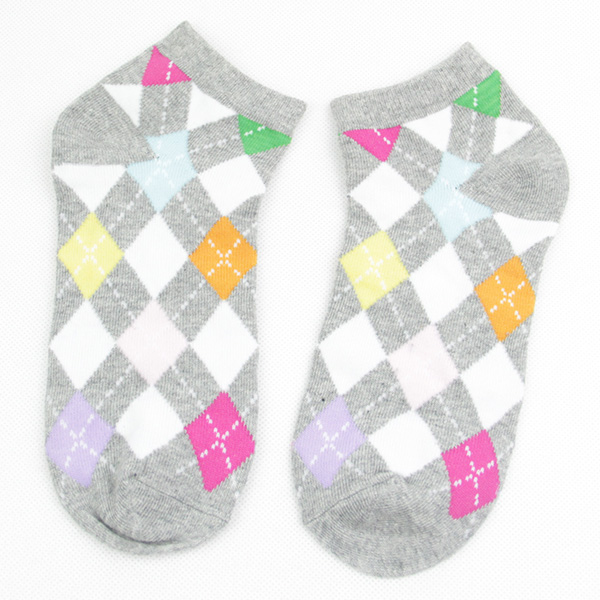 Classic and Comfortable Cotton Ankle Socks with Diamond Jacquard