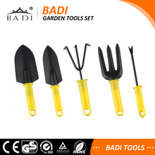 different kinds of garden tools