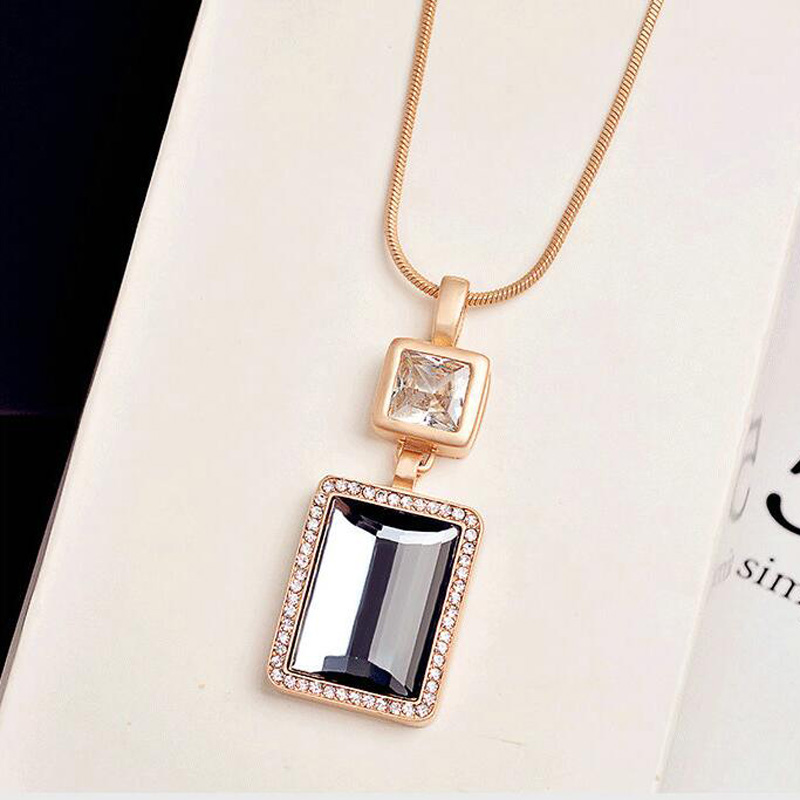 High Quality Crystal Perfume Bottle Zircon Pendant Necklace Long Chain Ladies Fashion Jewelry Gold Necklace